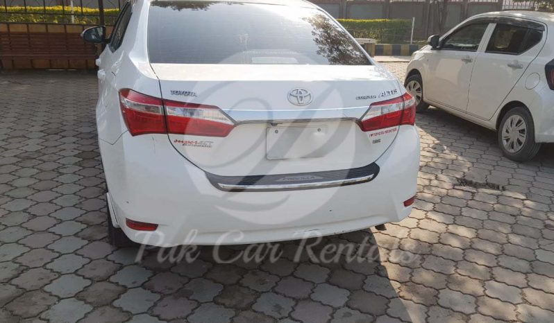 Rent Toyota Corolla 2018 full