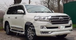 Rent Land Cruiser ZX V8 2019